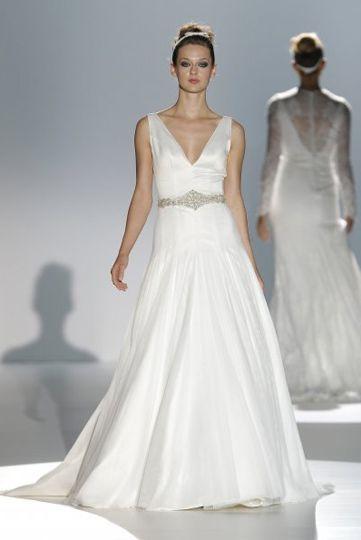 Los vestidos de novia de Franc Sarabia foto 03