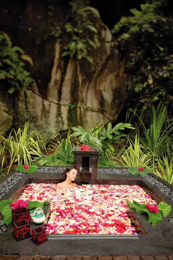 Banyan Tree Seychelles, Mahe Island: looks relaxing (photo from hotels.com)
