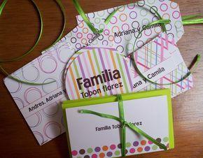 Espectaculares kits de tarjetas de presentación en varias formas y tamaños. Un lindo y útil regalo de navidad, con caja de cartón forr...