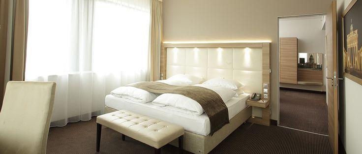 Blick in eines der Hotelzimmer | RAMADA Hotel Berlin Alexanderplatz