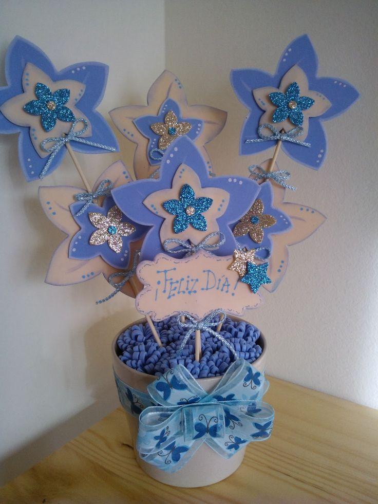 26 best images about macetas decoradas flores en goma eva - Goma eva decorada ...
