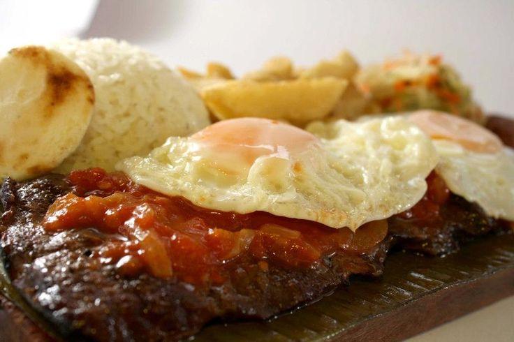 La Barra Restaurante - Bistec a  Caballo #Cali #Colombia