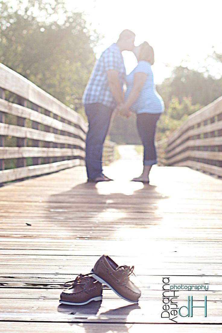 Maternity Photos, shoes, #DeannaHurleyPhotography