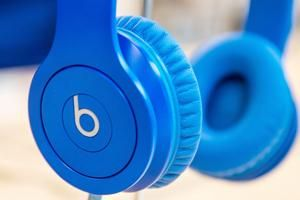 ReviewNex: Apple's Beats sued over alleged fraud