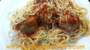 MOMS SPAGETTI AND MEATBALLS