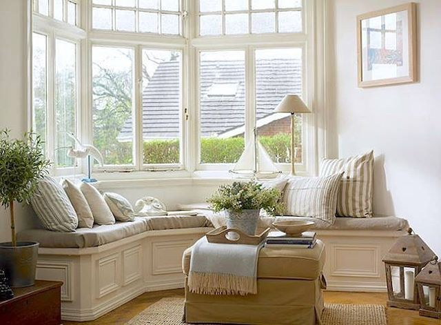 corner / bay window seat