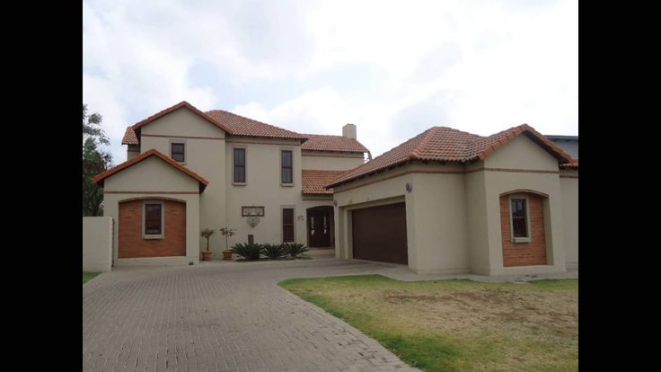 97 Silver Grove Crescent, Silver Woods Country Estate, Auction Date:  12...