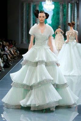 Robe haute couture Christian Dior verte vert pâle pastel