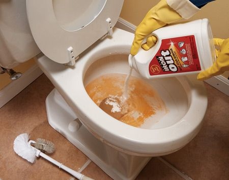 remove rust stains. All-purpose cleaners won't remove rust stains from sinks, tubs and toilets, even with a lot of elbow grease. The trick is to use a stain remover like Super Iron Out ($10 for a 5-lb. jug). Look for a rust stain remover or a product that contains diluted hydrochloric acid (also listed on product labels as hydrogen chloride, HCL or muriatic acid). Be careful not to use a product containing bleach—it'll set the stain.