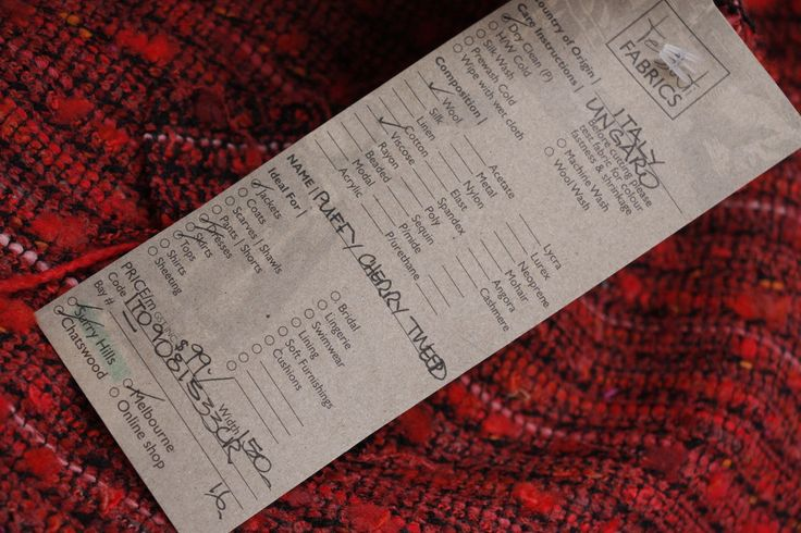 Black and cherry red designer Italian wool/viscose tweed blend. Width: 150cm Ideal for...