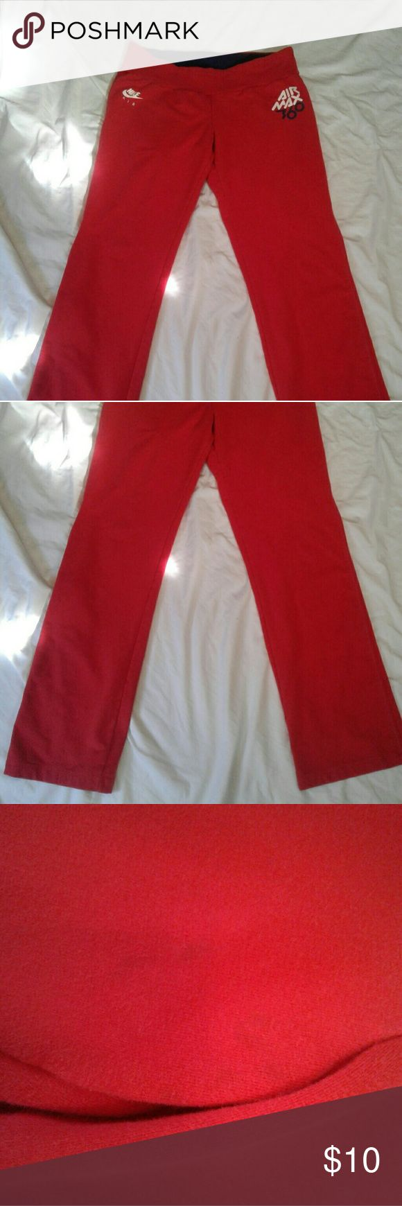 NIKE AIR MAX 360 PANTS GREAT CONDITION   SIXE XL  SMALL NOT NOTICABLE MARK ON INNER RIGHT THIGH  BUT WANTED TO MENTION IT  INSEAM 32 Nike Pants Track Pants & Joggers