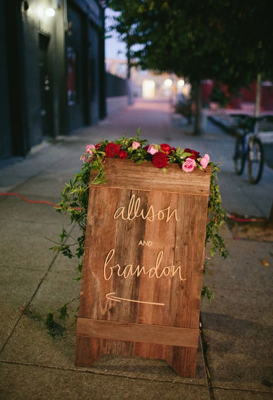 wood sign with lettering and florals | #wedding