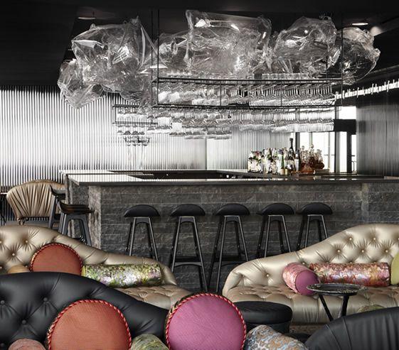 Cafe Vue de Monde - 401 St Kilda Road (Rialto owers, Melbourne) is, the splendidly lavish space has been designed by super-talented local firm Elenberg Fraser