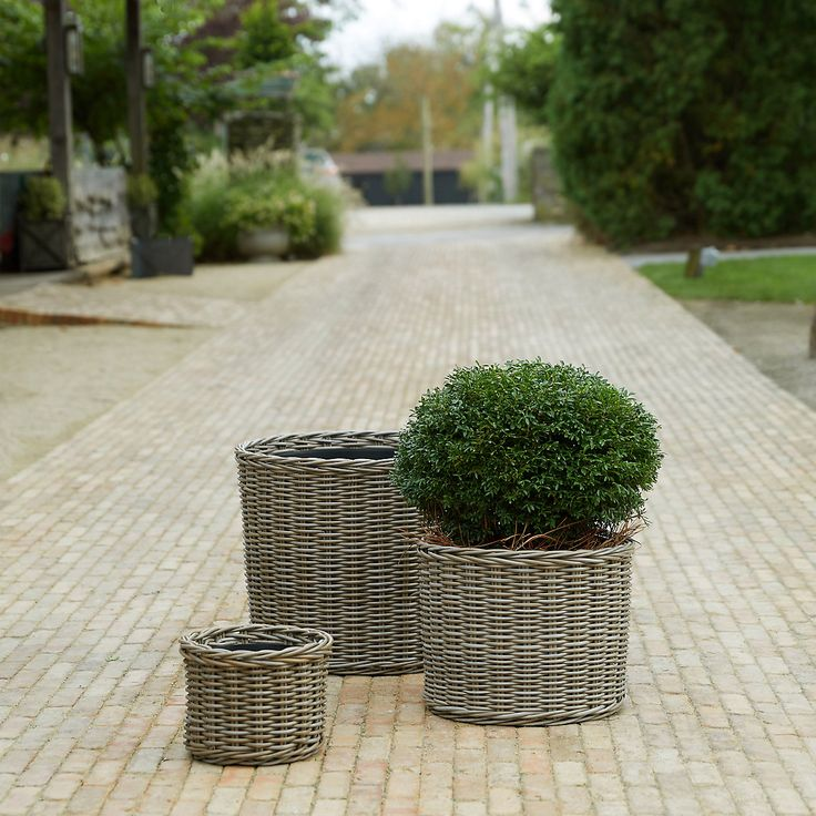 Woven from synthetic, furniture-grade wicker that's ...