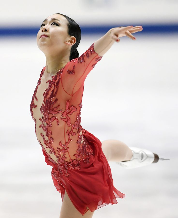 Mao Asada performs during the women's free program at the national figure skating championships in Kadoma, Osaka Prefecture, on Dec. 25, 2016. The Vancouver Olympic women's silver medalist and three-time world champion finished 12th. (Kyodo) (1929×2370)