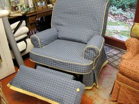 The Slipcover Network Forum: Slipcover for a Recliner by Linda Perry Meeks