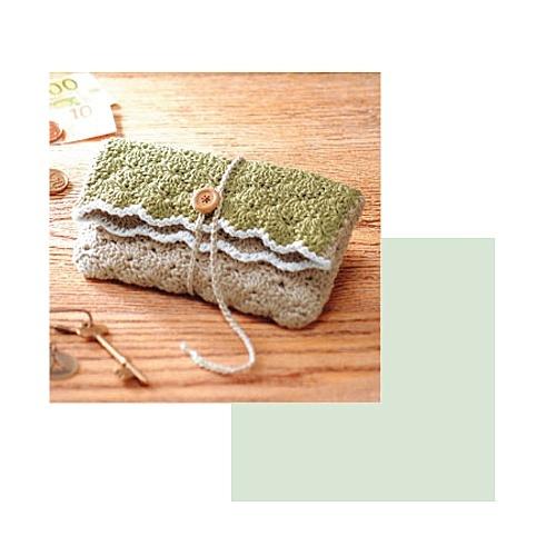 Crochet pouch ~ zakka free pattern from Clover