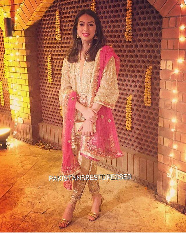#bestdressed #ammarakhanatelier #pakistaniweddings #pakistanifashion #gorgeous #model #pakistan #wedding #clothes #pakcouture #pakistanfashion #desi #bridal #karachi #lahore #islamabad #dubai #london #newyork #desifashion #desicouture