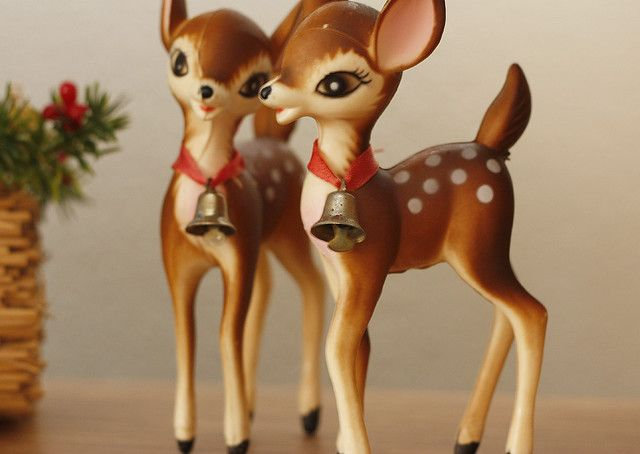 I have a collection of these vintage deer, but I never seem to have enough :)
