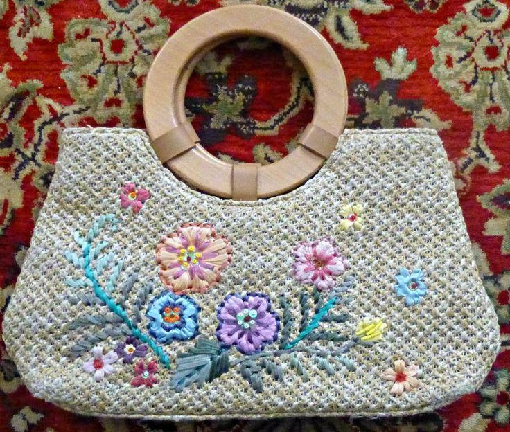 Unbranded Small Straw Bag Floral Design Sequins Embellishment Wooden Handles  #Unbranded #handbag