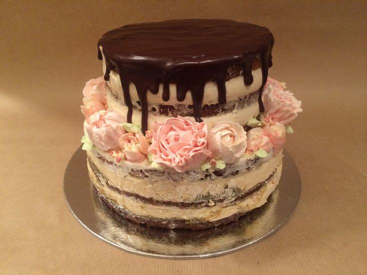 Whiksey cream and rhubarb-lemon cream buttercream flowers cake