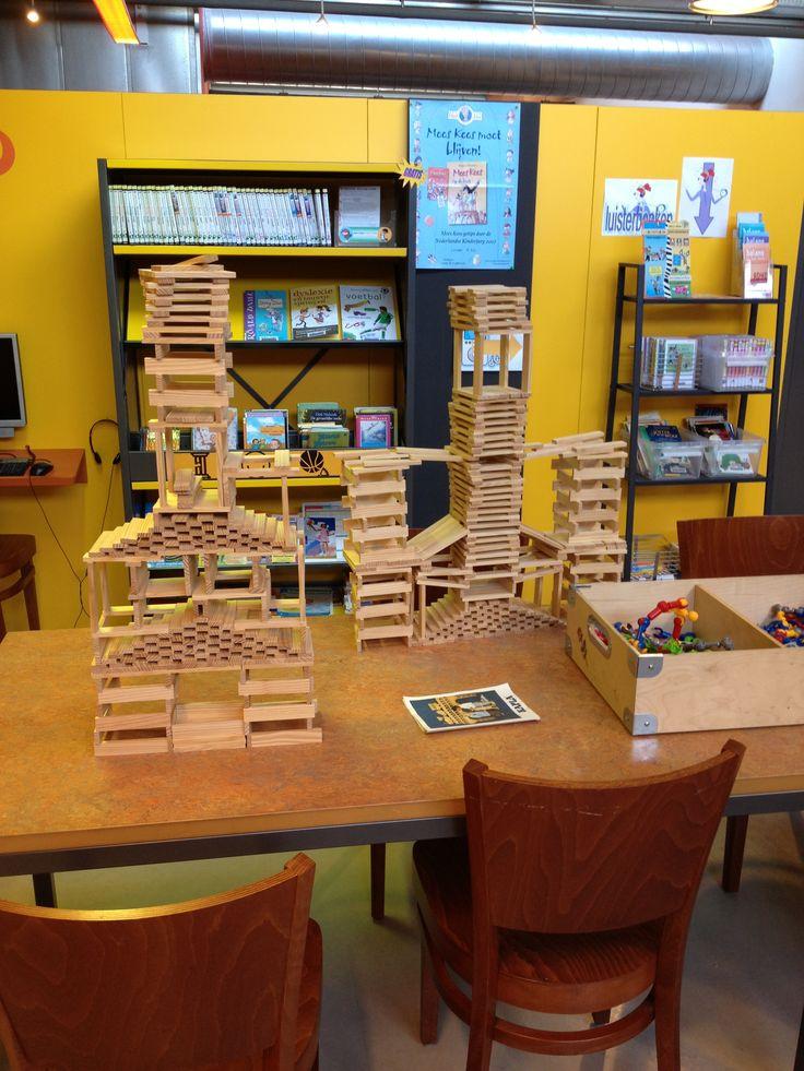 Creatief in de bibliotheek, de architecten van de toekomst.
