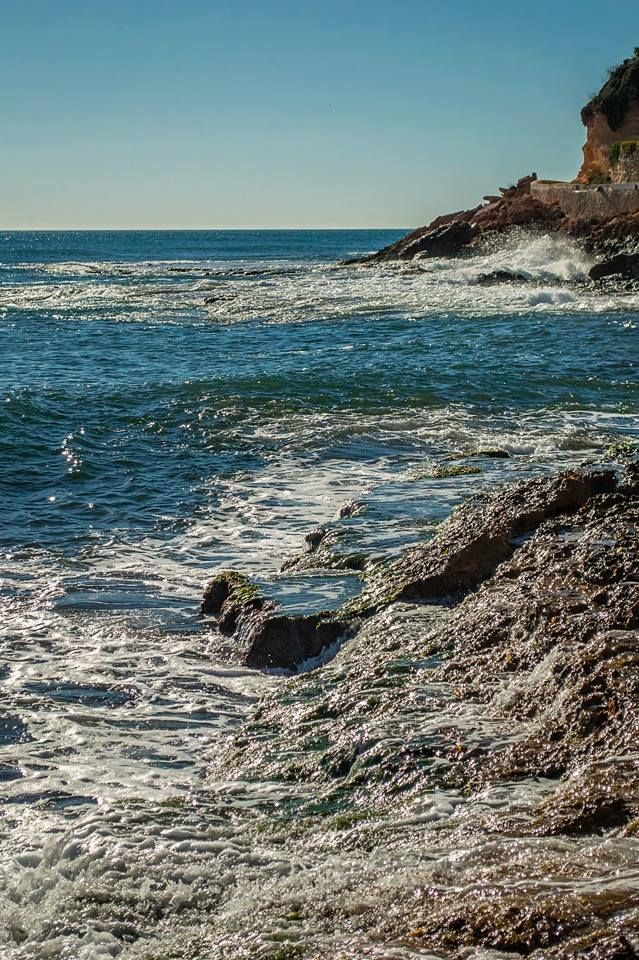 The sound of the waves on the rocks is beautiful