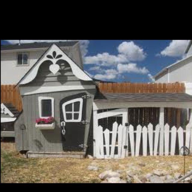 Back yard chicken coop!  So cute!! Kinda looks a bit Disney / Alice in Wonderland