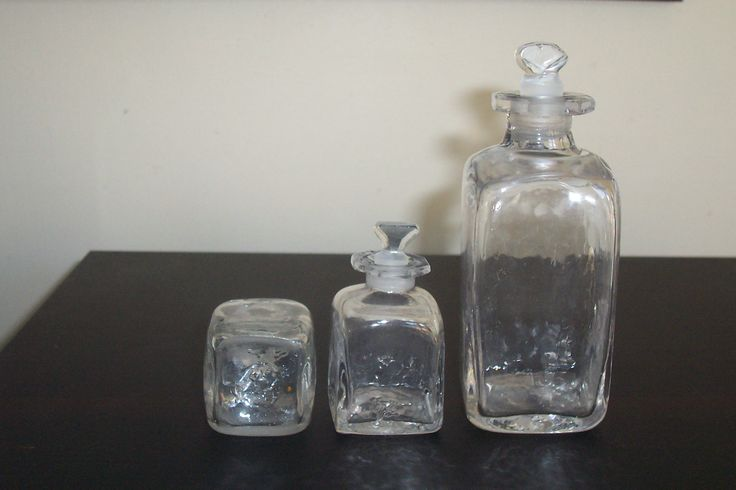 early Georgian square bottles with stopper and rough pontil. Tallest measures 112mm or 4 1/2''