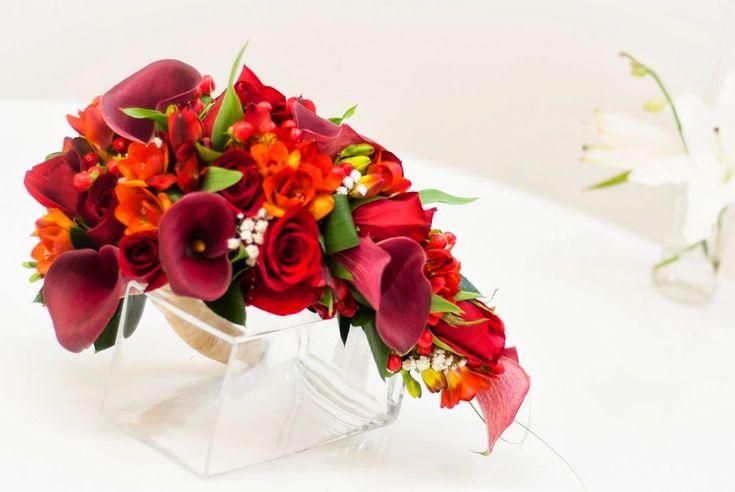 Ramo de novia de calas, rosas, fressias y alstroemerias #ramodenovia #bodas