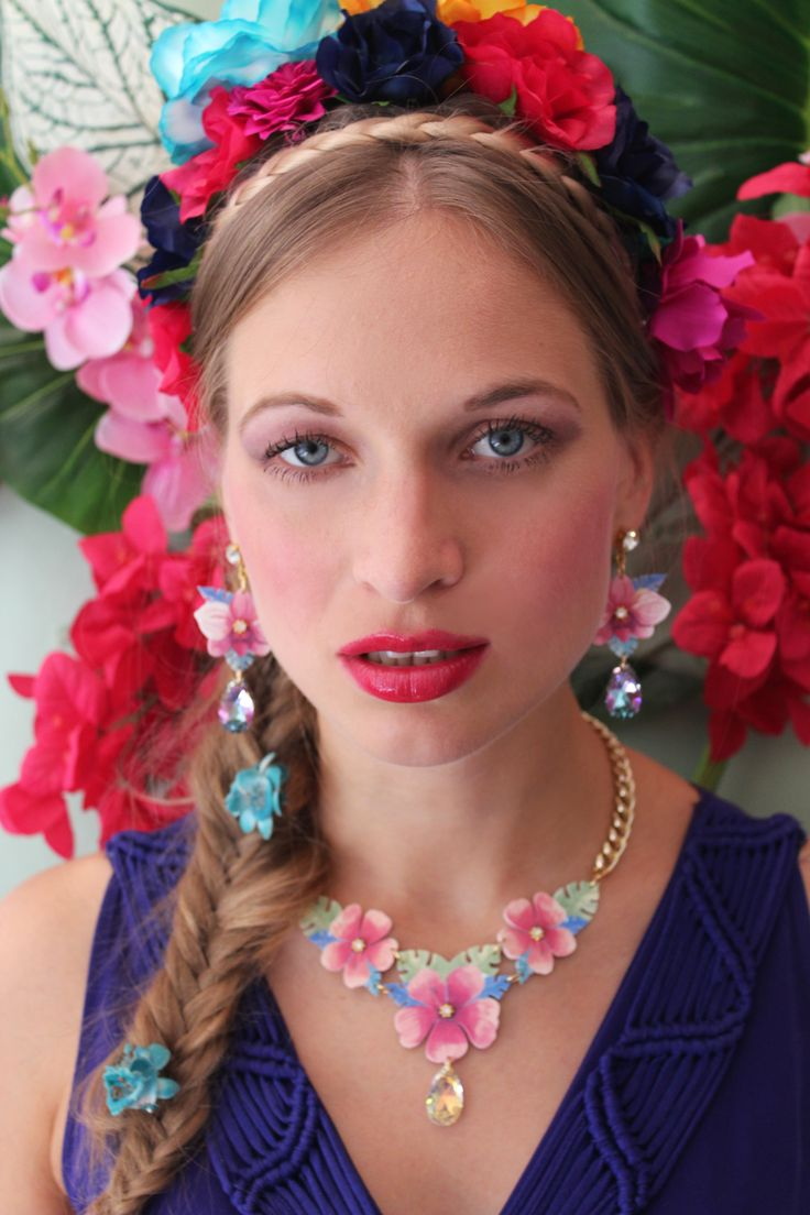 FW14 Campaign - Tropicana Collection - Orchid earrings and Hibiscus necklace - Handmade in Italy with Love. #luliartbijoux #floral #jewelry #shooting #frida #accessories #necklace #earrings