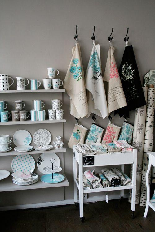 Nice way to display kitchen linen :)