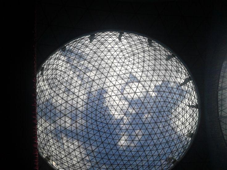 d e t a i l (Salvador Dali Museum)