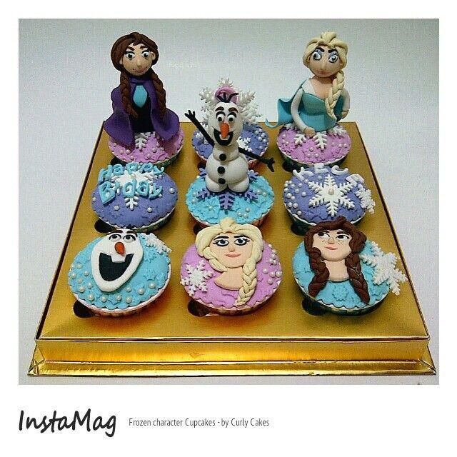 Frozen fondant cupcakes