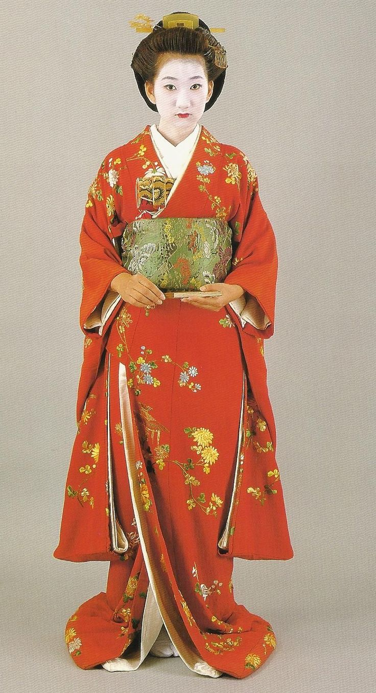 239 best furisode images on pinterest museum kimono and Japanese clothing designers