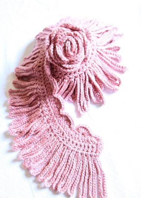 interesting scarf--no pattern yes I have that fringe pattern in an edging book!