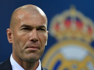 Real Madrid boss Zinedine Zidane: 'My new contract means nothing' #Real_Madrid #Football #315998