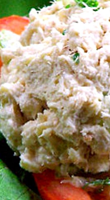 Tuna Salad, Deli Style - this salad has just the right amount of seasoning and is perfect to serve in tomato cups or for sandwiches ❊