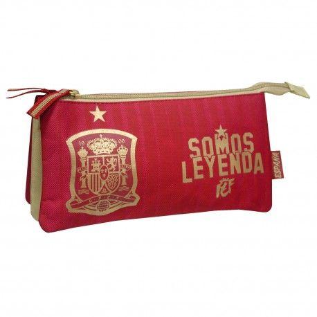 Estuche portatodo de la Selección española de fútbol. Tamaño: 22x12x6,5cm. 8,09 €. Encuentra más productos de #merchandising en nuestra tienda online.