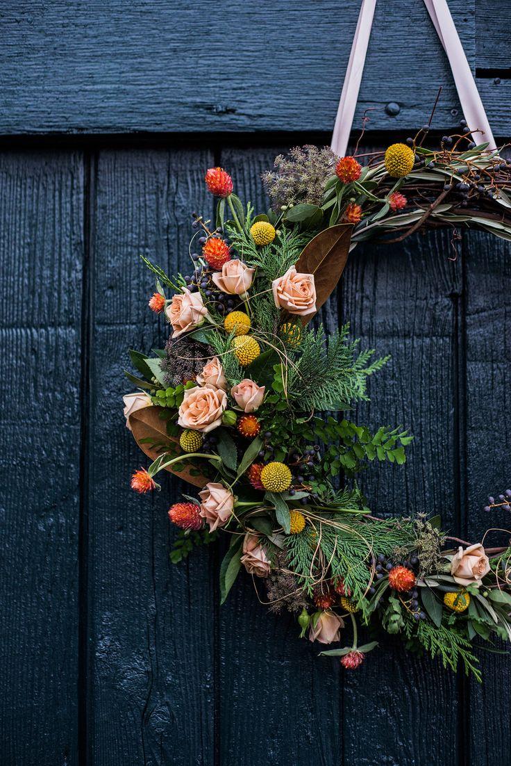 a fresh winter woodland wreath for the holidays | tutorial via coco kelley