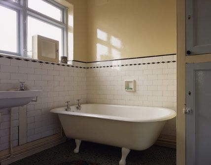 25 best ideas about 1930s bathroom on pinterest 1930s for Bathroom ideas 1930s semi