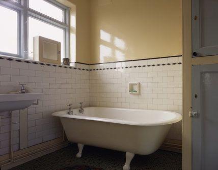 The 25 best 1930s bathroom ideas on pinterest 1930s for 1930 bathroom design ideas