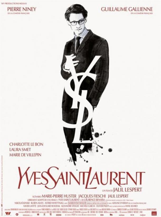 """""""Yves Saint-Laurent"""" - La fascination d'une ère qui semble révolue dans l'univers de la mode est un prétexte pour ce qui est vraiment une histoire d'amour, celle d'Yves Saint-Laurent (Pierre Niney) et Pierre Bergé (Guill..."""