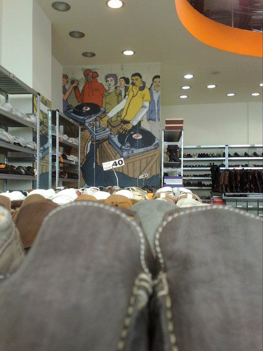 SHOES STORE'S DETAIL