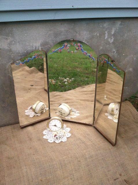 Vintage Tri Fold Mirror - Tole Florals - Shabby Prairie Cottage Rustic  Farmhouse - Antique Vanity - 7 Best Vanity Redo Images On Pinterest Antique Vanity, Antique