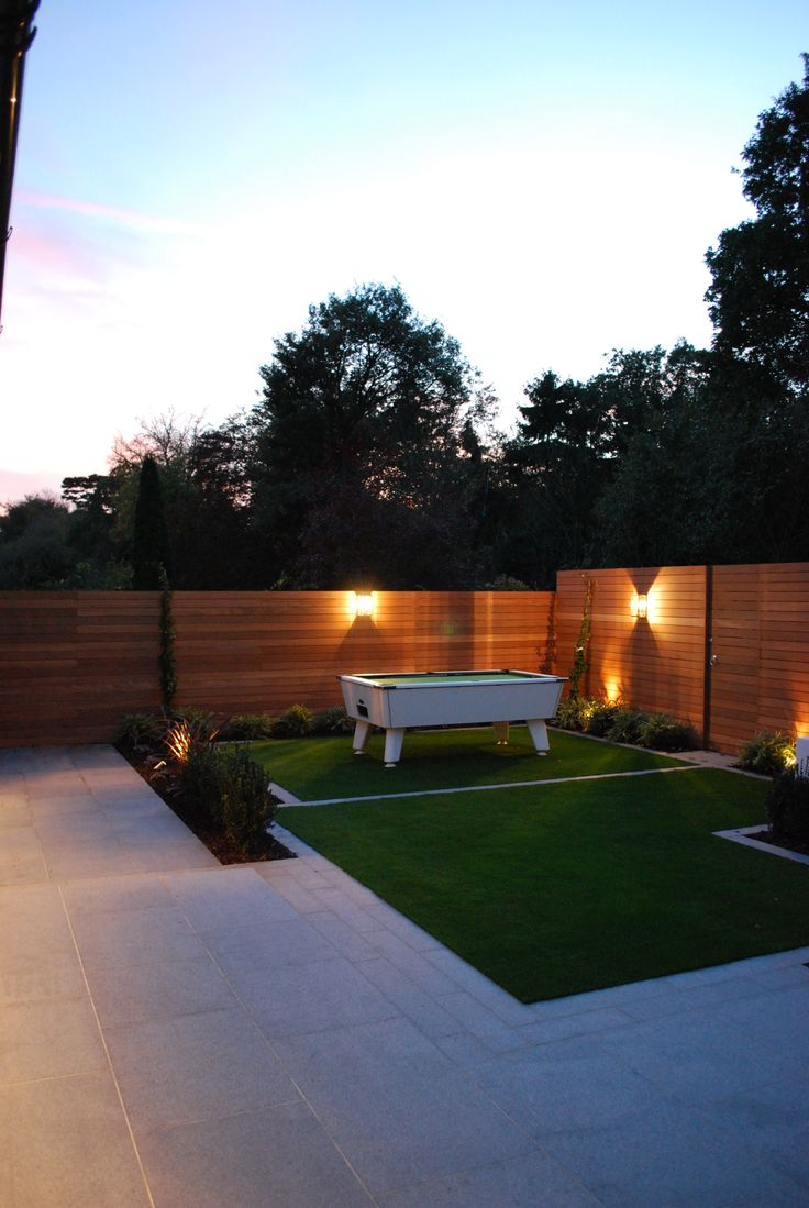 www.thelandscapedesignstudio.co.uk #renderedwalls #balau #contemporarygarden #gardendesign #granite #outdoorpooltable #landscapedesigner #landscapedesign