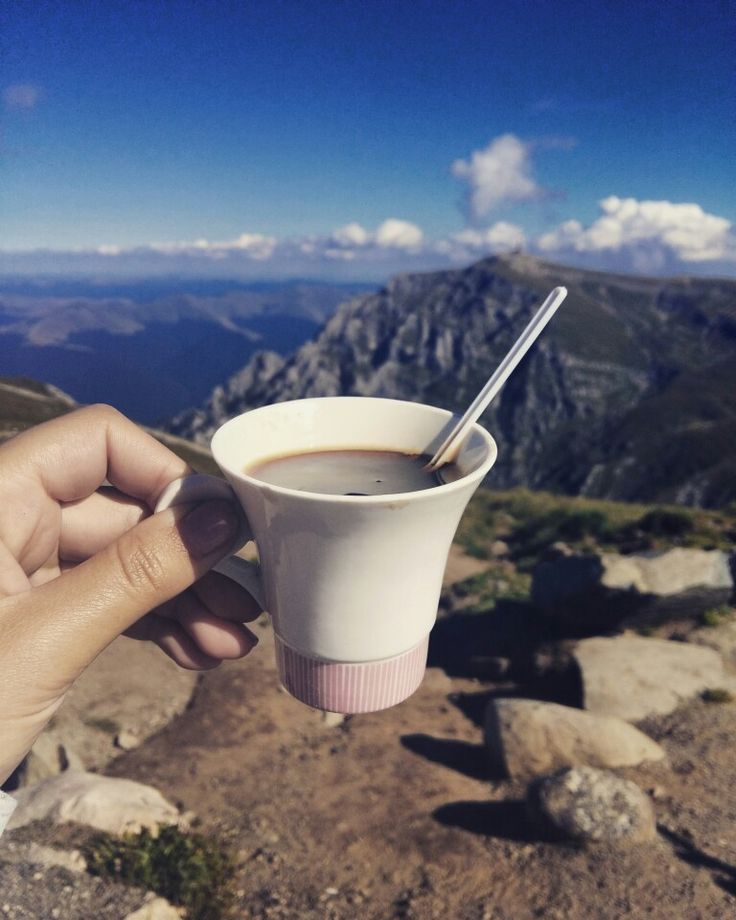 Coffee game strong at 2505 m in Bucegi, Romania.