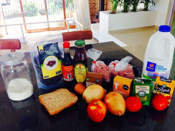 """La gastronomie sud africaine est surtout connue pour ses viandes exceptionnelles: boeuf ou agneau, parfois porc, mais aussi viande de """"game"""", à savoir le gibier sauvage africain : Springboks (antilope),gnous, phacochère... (Mais si, vous savez"""