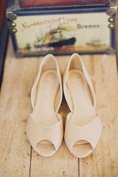 20 Adorable, dance-floor approved flats for your wedding day - Wedding Party