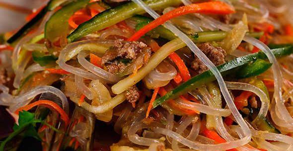 Салат из фунчозы